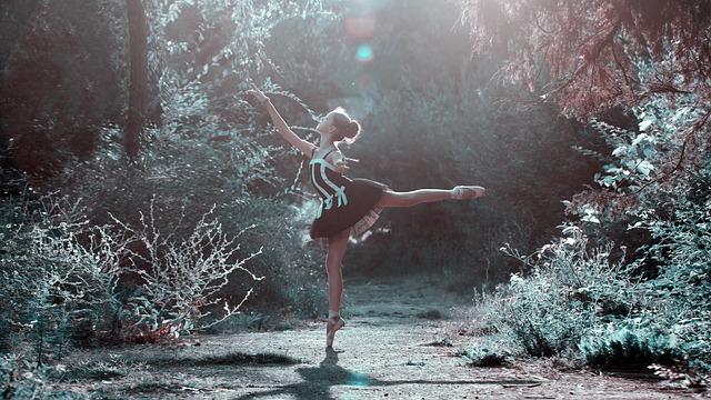 バレエをしている美しい女性