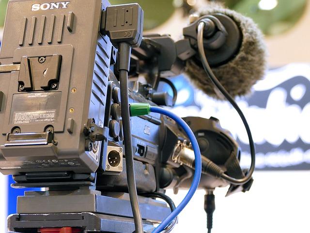 スタジオ内にある大きなカメラ