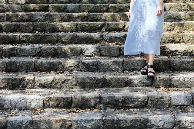 階段とワンピース