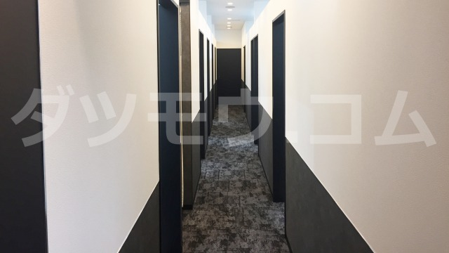 ゴリラクリニックの廊下