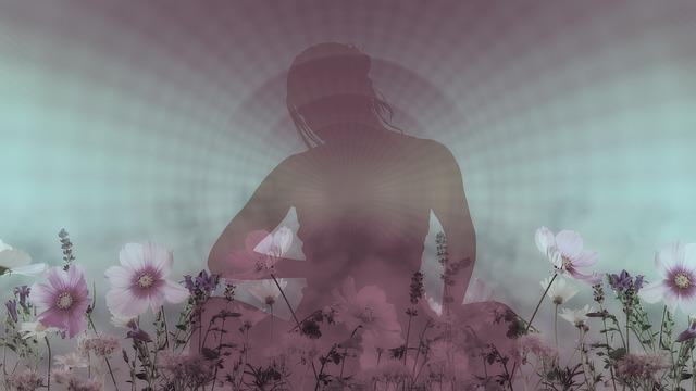 花と座っている女性