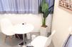 キレイモ(KIREIMO)あべの店の椅子と机