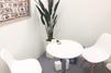 キレイモ(KIREIMO)秋葉原店の椅子と机