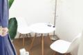 キレイモ(KIREIMO)北千住店の椅子と机