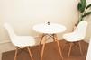 キレイモ(KIREIMO)沖縄新都心店の椅子と机