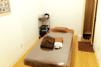 キレイモ(KIREIMO)沖縄新都心店の施術室とベッド