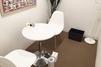 キレイモ(KIREIMO)四条河原町店の椅子と机