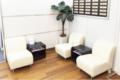 キレイモ(KIREIMO)横浜駅前店の待合室