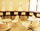 ミュゼプラチナムの椅子と机