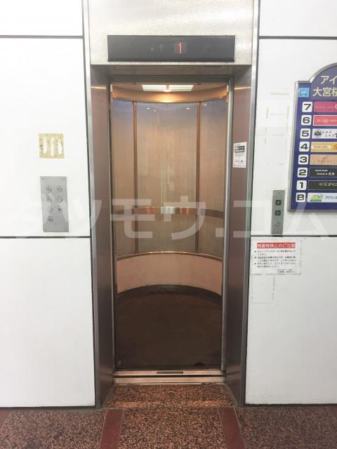 アイダビルのエレベーター
