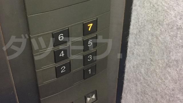 ヒノデビルのエレベーター